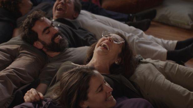 Recensione gloria everyeye cinema - Film lo specchio della vita italiano ...