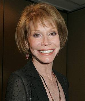 Mary Tyler Moore guest-star di Hot in Cleveland 2 - marytylermoore