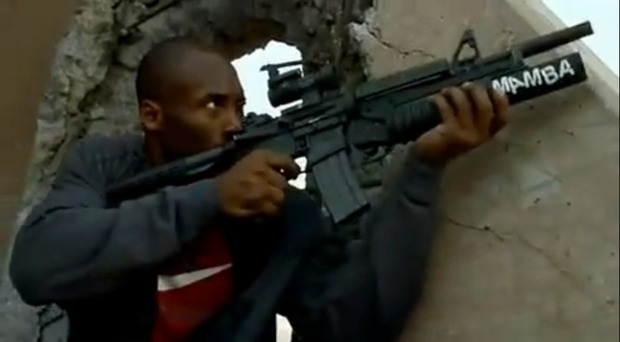 Call of Duty: Black Ops, Kobe Bryant and Jimmy Kimmel in uno spot USA