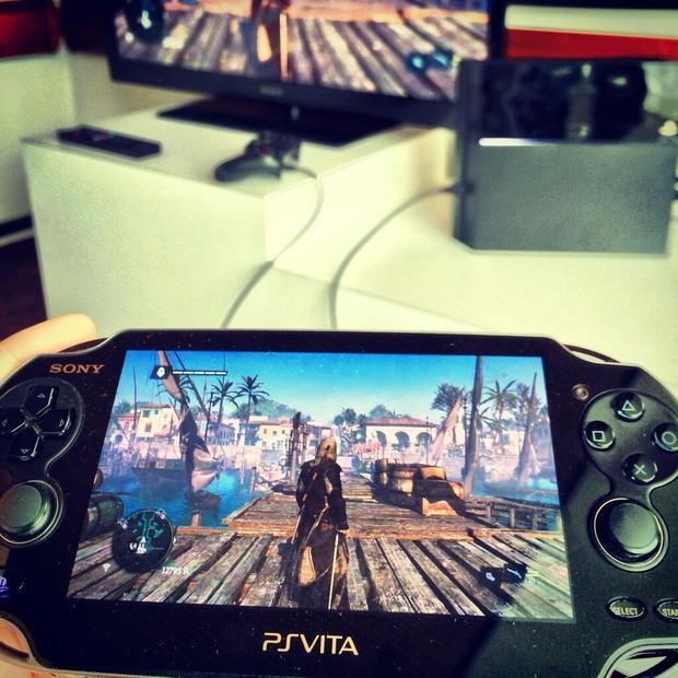PlayStation 4: il Remote Play con PSVita si mostra in video e immagini