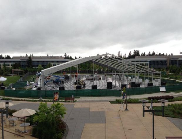 Xbox: foto della sede in costruzione per l'evento del 21 Maggio