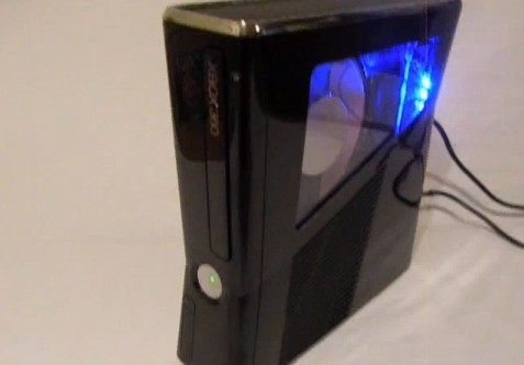 Xbox 360 Slim, effettuata la prima modifica del case