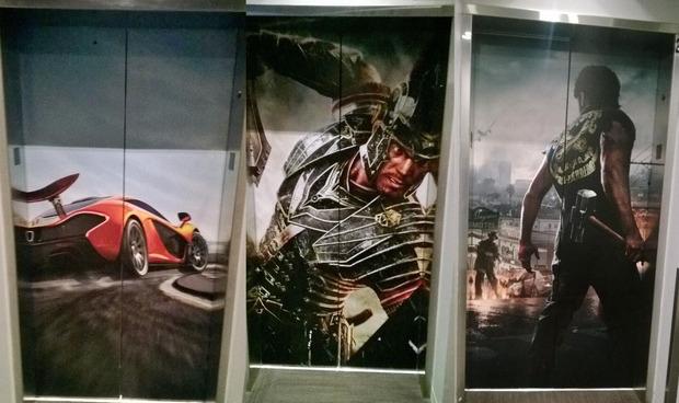 Xbox One: Microsoft personalizza gli ascensori dei suoi uffici con le immagini dei titoli di lancio