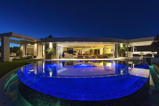 Markus Persson ha acquistato una villa da 70 milioni di dollari a Beverly Hills