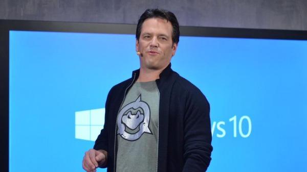 Evento presentazione Windows 10: Phil Spencer indossa una maglietta di Battletoads