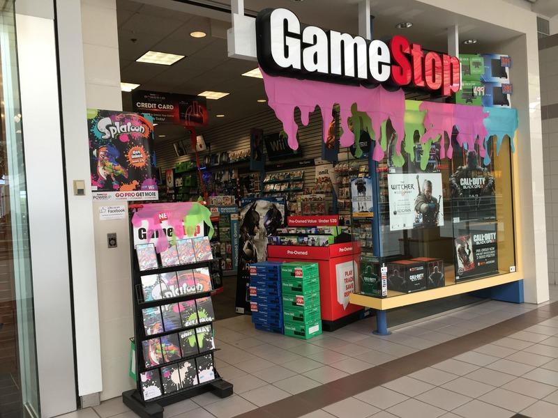I negozi GameStop si colorano per il lancio di Splatoon