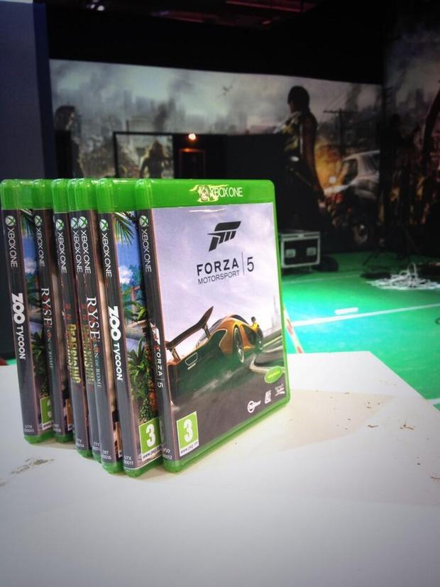 Xbox One: altre immagini per le custodie
