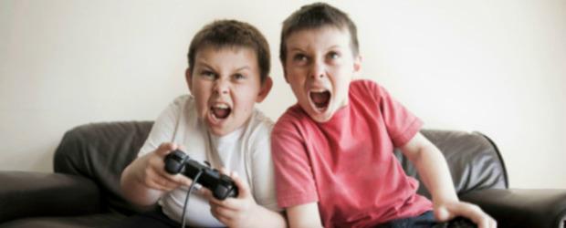 I genitori possono essere denunciati alla polizia se permettono a minori di usare giochi per adulti - Notizia